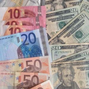 De euro koers is gedaald naar de laagste stand sinds september 2003.